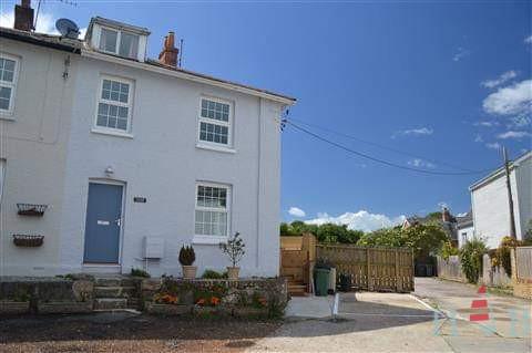 2 Malvern Cottages